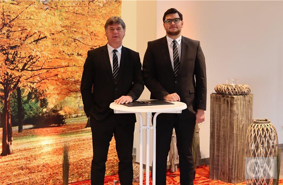 Bestattermeister Jano Gommer und Inhaber Joachim Gommer
